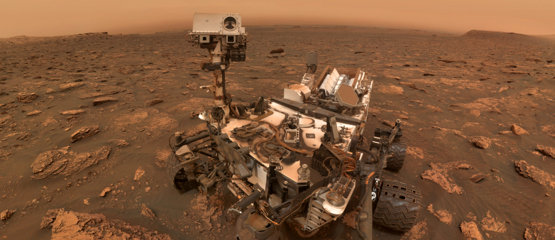 Image of the Curiosity rover on Mars